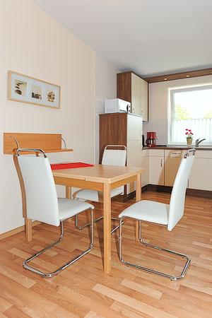 fotos ferienwohnung 10 haus mecki 4 in bensersiel. Black Bedroom Furniture Sets. Home Design Ideas